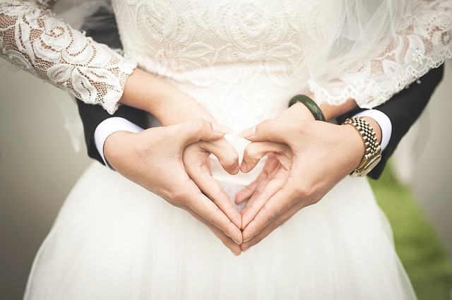 男性が結婚をふと決意する瞬間とは?