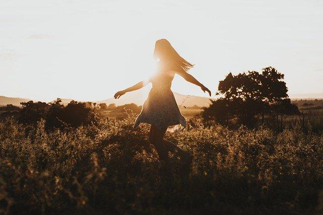 自己肯定感を高めることは人生と恋愛に必要不可欠