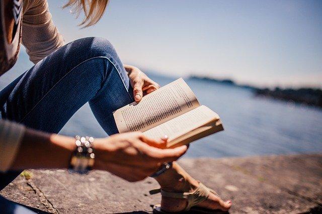 前向きになる本を読む
